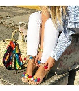 Sandalia de Tacon con Pompones de Colores