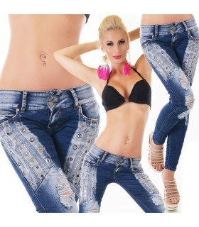 Jeanss With Tacks